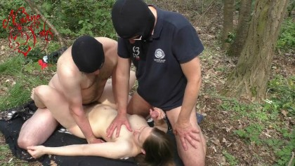 Fucking pussy in the woods